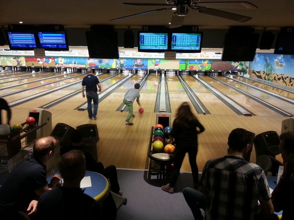 http://round-table.de/redaxo/index.php?rex_media_type=rex_mediapool_maximized&rex_media_file=charity_bowling_nov_14_01_4421706ece.jpg&buster=1559862489